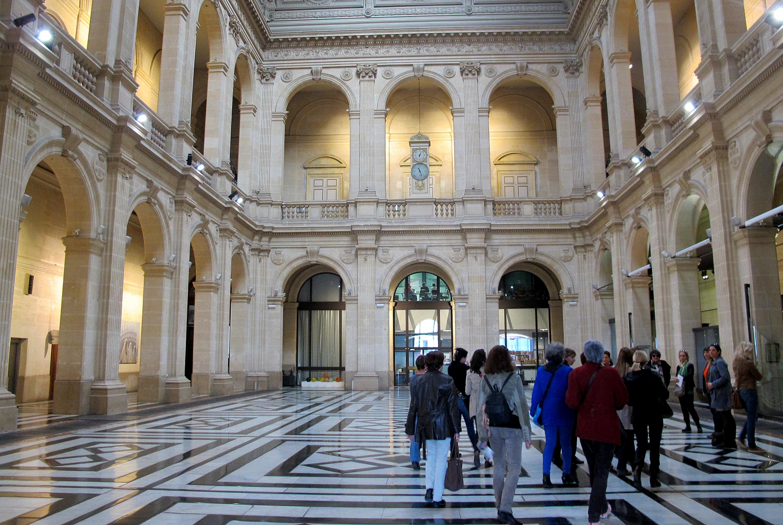 Visite guidée du Palais de la Bourse à Marseille