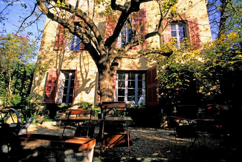 Visite guidée qui démarre devant l'atelier des Lauves de Cézanne